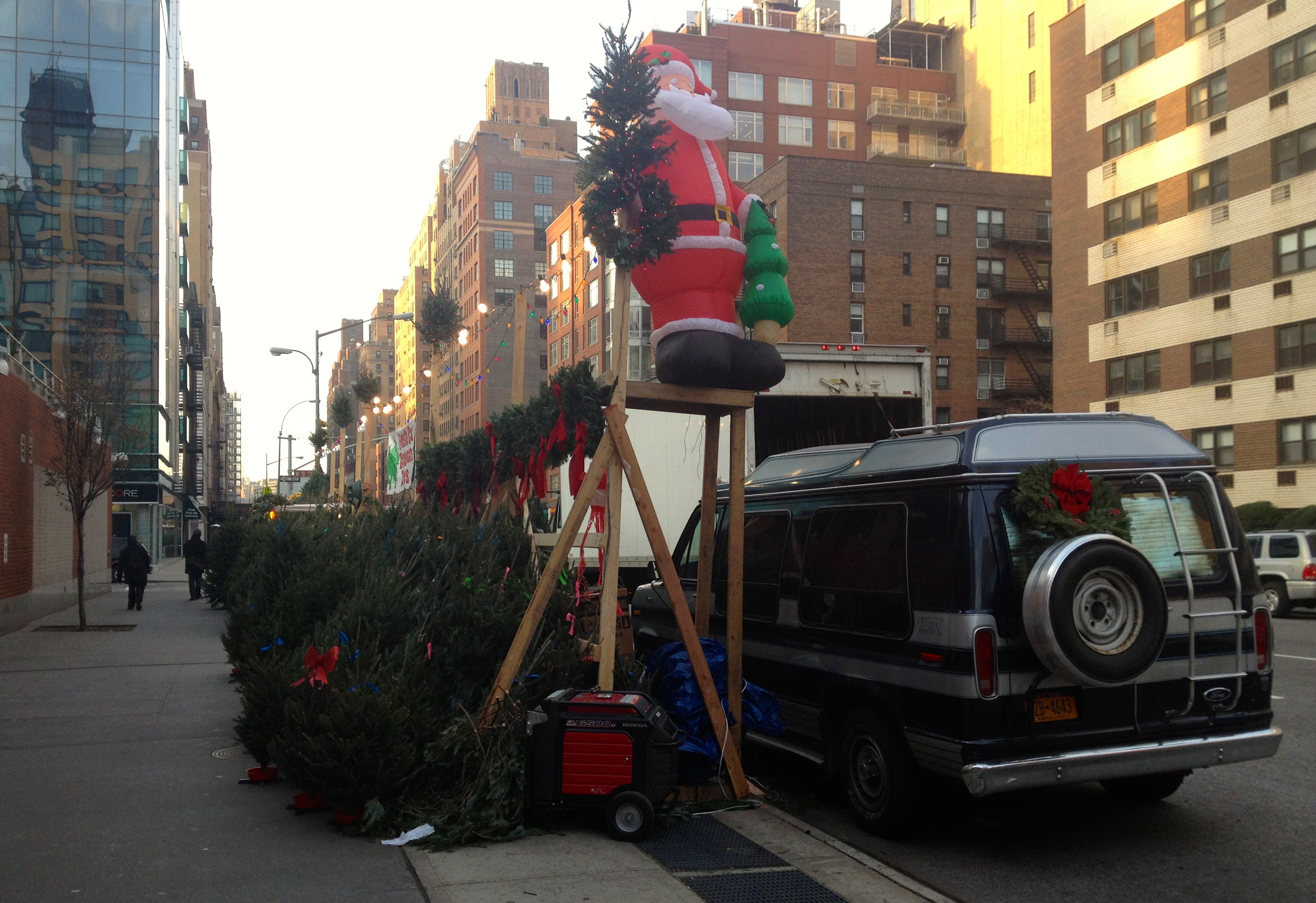 santa-christmas-trees-nyc