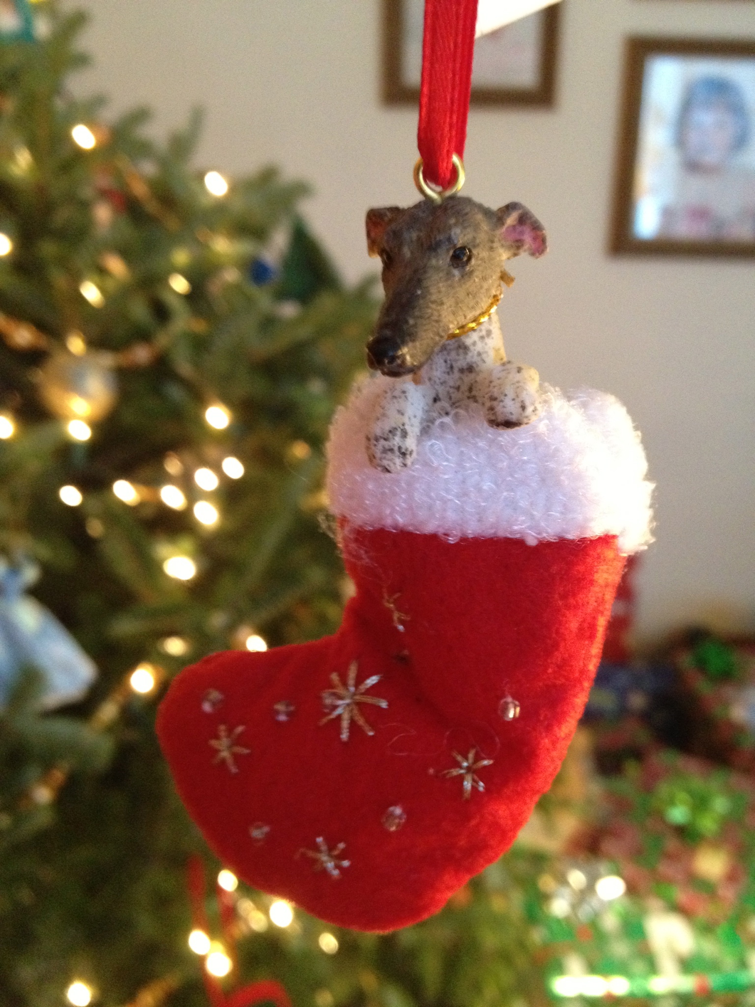 12:25-christmas-day-greyhound-ornament