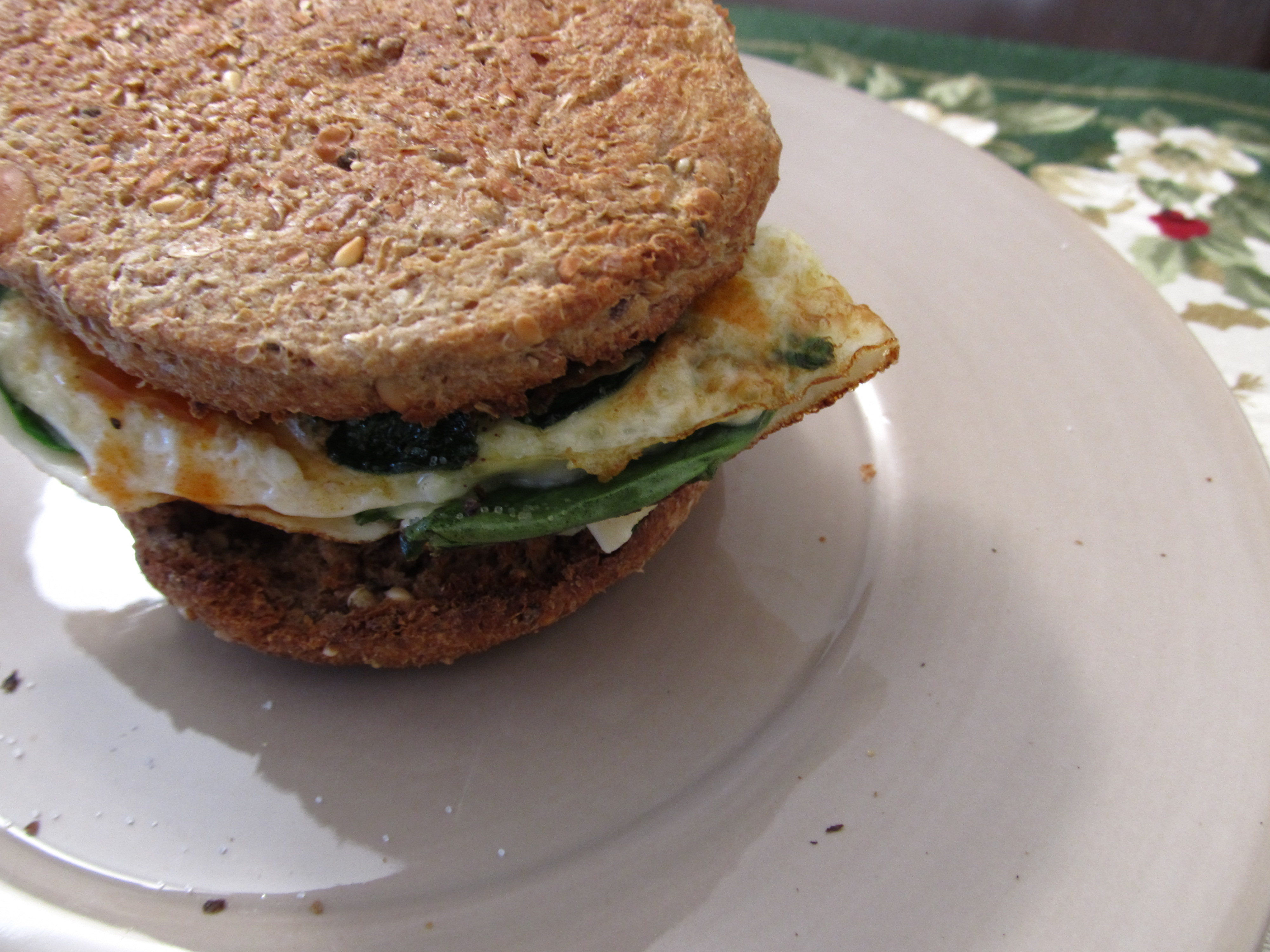 12:6-breakfast-egg-white-sandwich