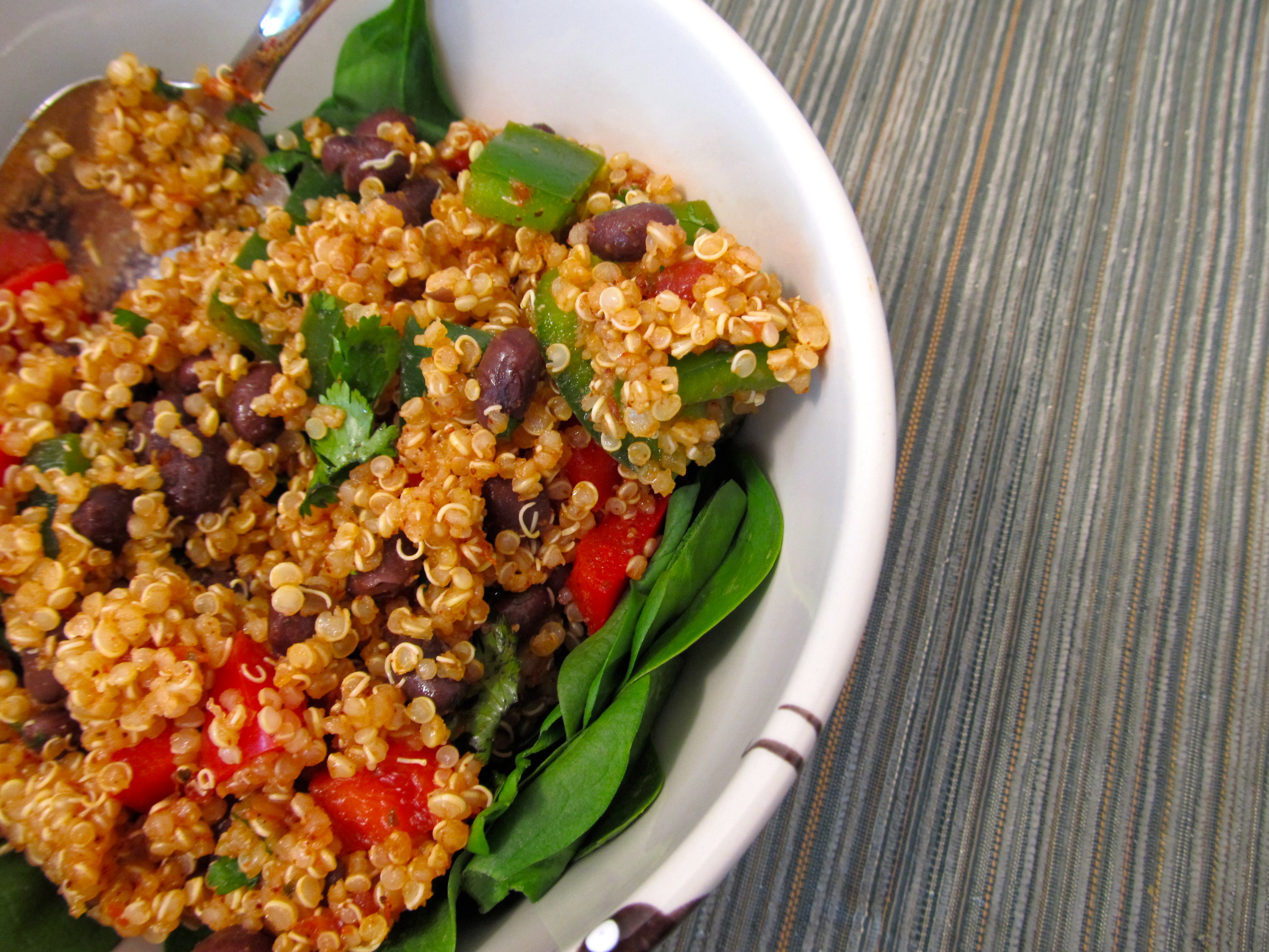1:21-lunch-vegan-spicy-black-bean-quinoa